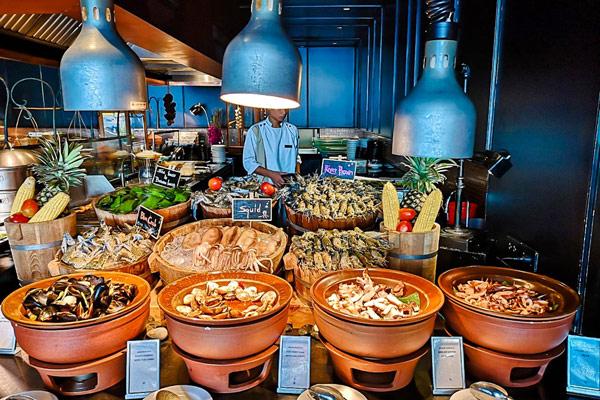 Hilton-Pattaya-hotel Hilton-Pattaya自助餐價錢 Hilton-Pattaya-buffet-price Hilton-Pattaya-edge Hilton-Pattaya-dinner-buffet